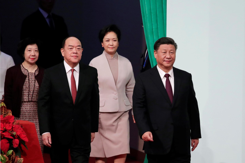 中国国家主席习近平与夫人彭丽媛2019年12月20日抵澳门,出席澳门新特首就职典礼。