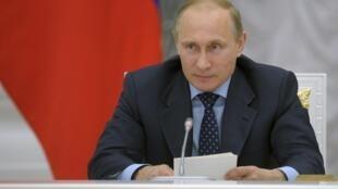 O presidente da Rússia, Vladimir Putin, pediu ao Parlamento russo, nesta terça-feira (24), que cancele a autorização de intervenção militar na Ucrânia.