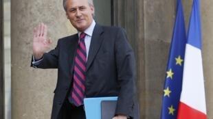 O ex-ministro Georges Tron que pediu demissão do governo em 29 de maio é suspeito de estupro e agressão sexual.