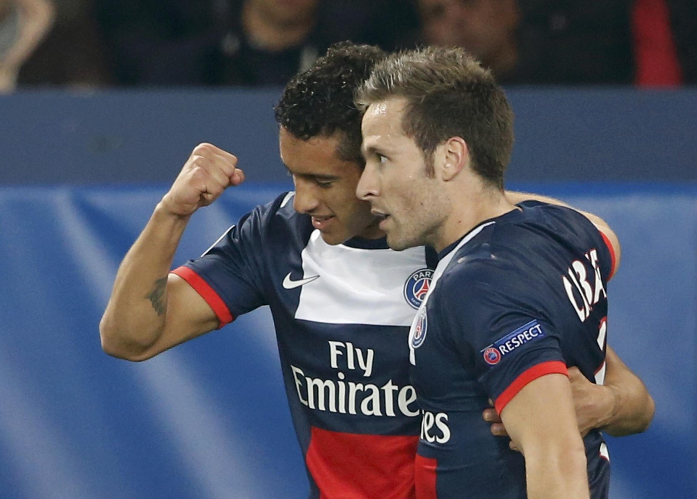 Marquinhos (à esq.) comemora seu gol no jogo em que o PSG venceu o Bayern Leverkusen por 2 a 1.