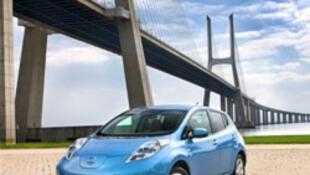 O construtor Nissan integrou um gerador de som no seu carro elétrico Leaf.
