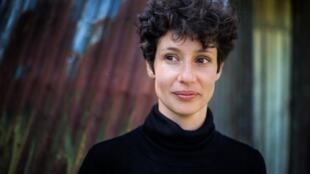 """Alice Zeniter signe son 6ème roman, """"Comme un empire dans un empire""""."""