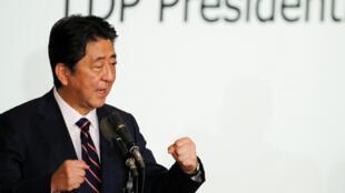 Thủ tướng Nhật Bản Shinzo Abe, tái đắc cử lãnh đạo đảng Tự Do Dân Chủ sau cuộc bỏ phiếu ngày 20/09/2018.