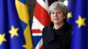 Demissão de Theresa May do Partido Conservador. O sucessor dela deve ser designado até o fim de julho.