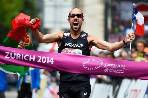 Le marcheur français Yohann Diniz franchit en vainqueur la ligne d'arrivée du 50 km lors des Championnats d'Europe d'athlétisme, le 15 août 2014 à Zurich