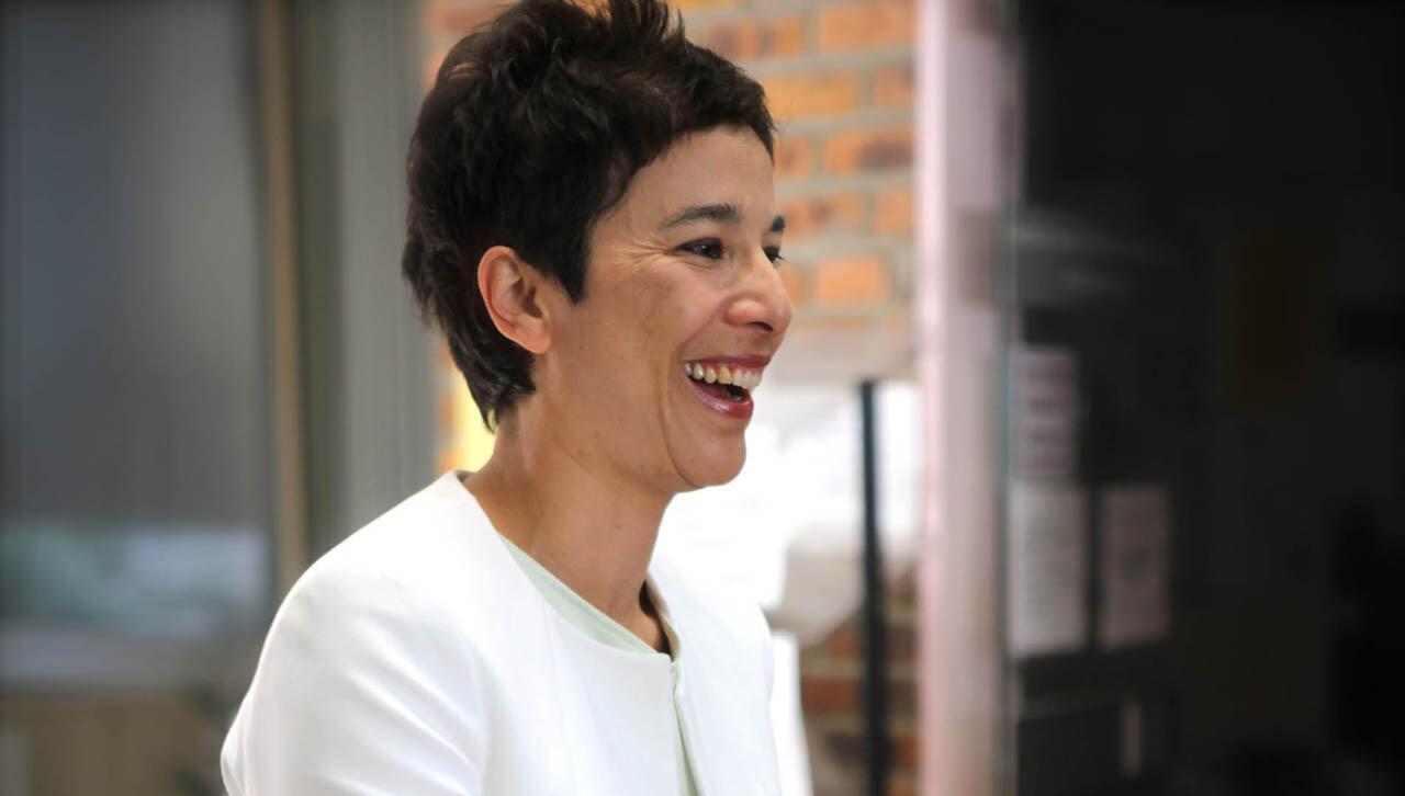 លោកស្រី Eva Nguyen Binh