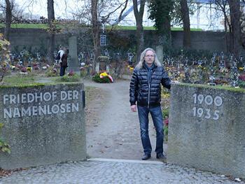 Josef Fuchs, gardien du « Cimetière des sans-noms » de Vienne.