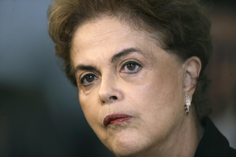 La présidente brésilienne Dilma Rousseff vient de perdre officiellement le soutient du PSD dans la procédure de destitution à son encontre.