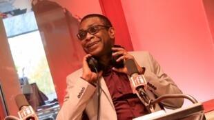 Youssou N'Dour, dans le studio de Juan Gomez à RFI, le 16 novembre 2017.