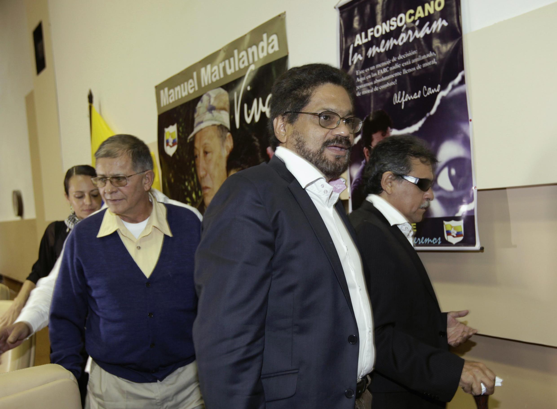 Les membres de la délégation des FARC à La Havane, le 29 novembre 2012.