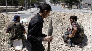 Lực lượng nổi dậy Syria tiếp tục kháng cự tại Alep (REUTERS)