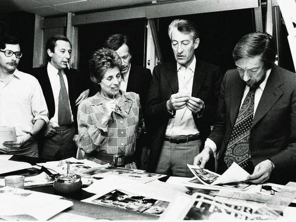 Françoise Giroud, un soir de bouclage à L'Express en 1973 avec Hugues Néel, Marc Ullmann, Jean-Jacques Faust, Philippe Grumbach et Roger Thérond.