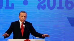 圖為土耳其總統埃爾多干出席北約在伊斯坦布爾舉行的年會