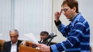 بابک زنجانی در یکی از جلسات محاکمهاش