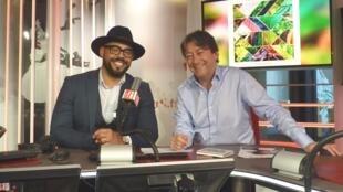El pianista cubano Gabriel Urgell Reyes con Jordi Batallé en RFI