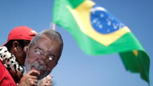 Lors d'une manifestation de soutien à Lula, à Brasilia, au Brésil, le 14 août 2018.