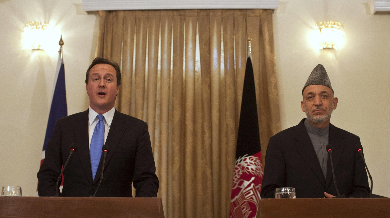 Дэвид Кэмерон и Хамид Карзаи на пресс-конференции в Кабуле