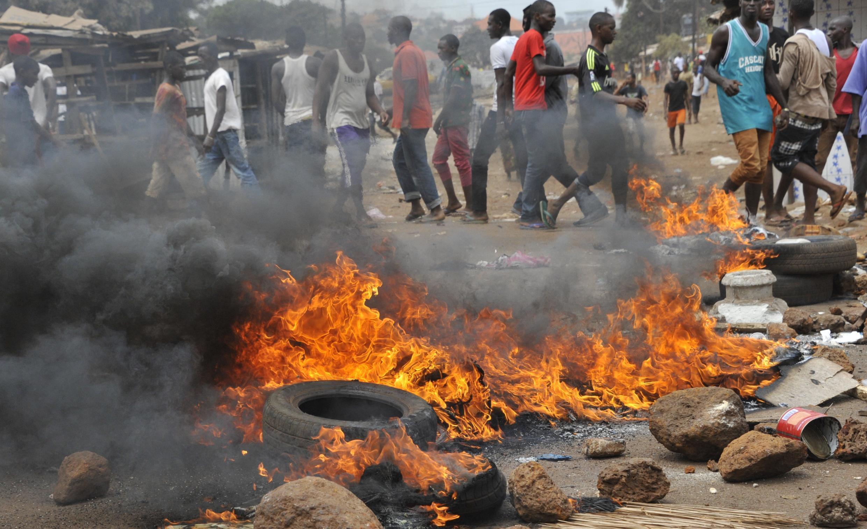 Les manifestants ont érigé des barricades sur les axes menant au centre-ville de Conakry.
