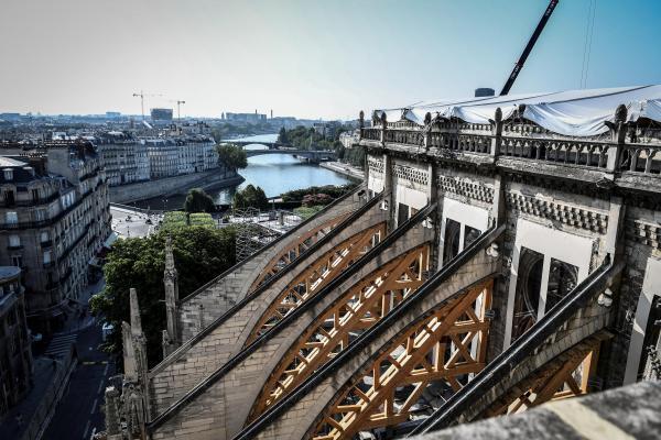 Ассоциация La Sauvegarde de l'art français выявляет и спасает предметы церковного искусства.
