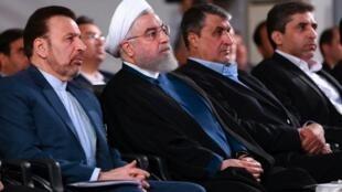 Picha iliyotolewa na ofisi ya rais wa Irani Agosti 27, 2019 ikimuonyesha Rais Hassan Rohani (wa pili kutoka kushoto) akihudhuria sherehe katika mji mkuu Tehran.