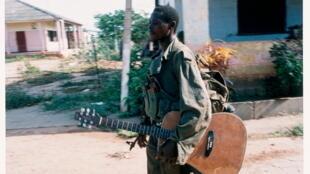 """Fotografia extraída do livro """"Era Angola"""" de Jean-Charles Gutner."""