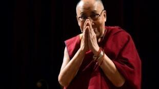 Далай-лама покинул Тибет, когда ему было 18 лет, после подавления антикитайского восстания