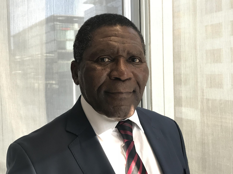 Isaías Samakuva, presidente da UNITA, na RFI a 22 de Fevereiro de 2018.