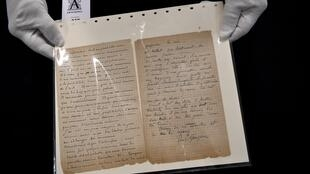 The letter written by  Vincent Van Gogh and Paul Gauguin sold for 210,600 euros in Paris
