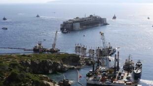 Reboque do Costa Concordia começou nesta quarta-feira, 23 de julho de 2014.