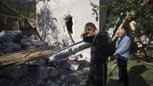 Разрушенный артиллерийскими снарядами дом, Донецк, 7 октября 2014 г.