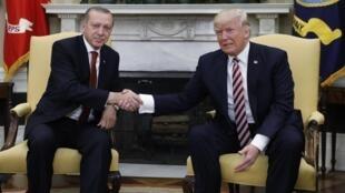 Shugaban kasar Amurka Donald Trump da na Turkiyya Raceb Tayyib Erdogan.