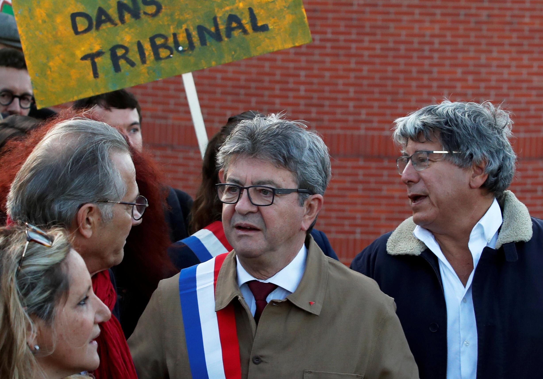 Jean-Luc Mélenchon chega ao Tribunal de Bobigny, na região parisiense, em 19 de setembro de 2019.