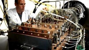Banc d'essais de l'ONERA pour la propulsion hypersonique au laboratoire de Palaiseau près de Paris.