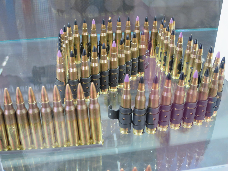 Des balles exposées sur un stand du Salon de l'Armement Eurosatory 2016.