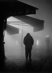 Homme dans le brouillard, Paris 1953.