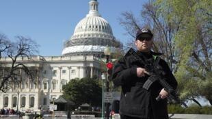 Polícia cerca Capitólio, em Washington, após incidente com tiros.