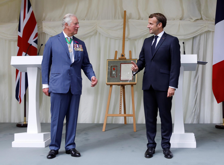 Принц Чарльз и президент Макрон в Carlton Gardens. Лондон, 18 июня 2020.