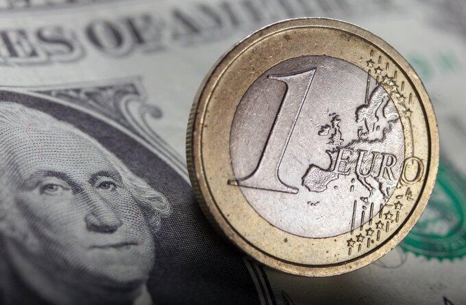 Economia americana pode enfrentar recessão por influência da crise da dívida na zona do euro.