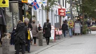 Dans les rues du centre de Reykjavík, en Islande.