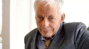 L'historien Emmanuel Le Roy Ladurie, pionnier de l'histoire du climat, lors d'une interview en octobre 2006.