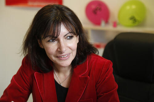 准备在2014年3月市镇选举中竞选巴黎市长的安娜-伊达尔戈