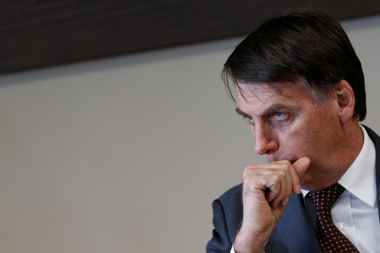 O presidente eleito, Jair Bolsonaro, aguarda início de reunião no Tribunal Superior do Trabalho, em Brasília.