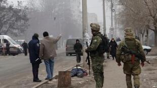 乌克兰东部港口城市马里乌波尔遭轰炸2015年1月24日。