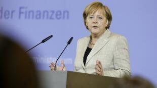 Ангела Меркель занимает пост главы партии с 2000 года