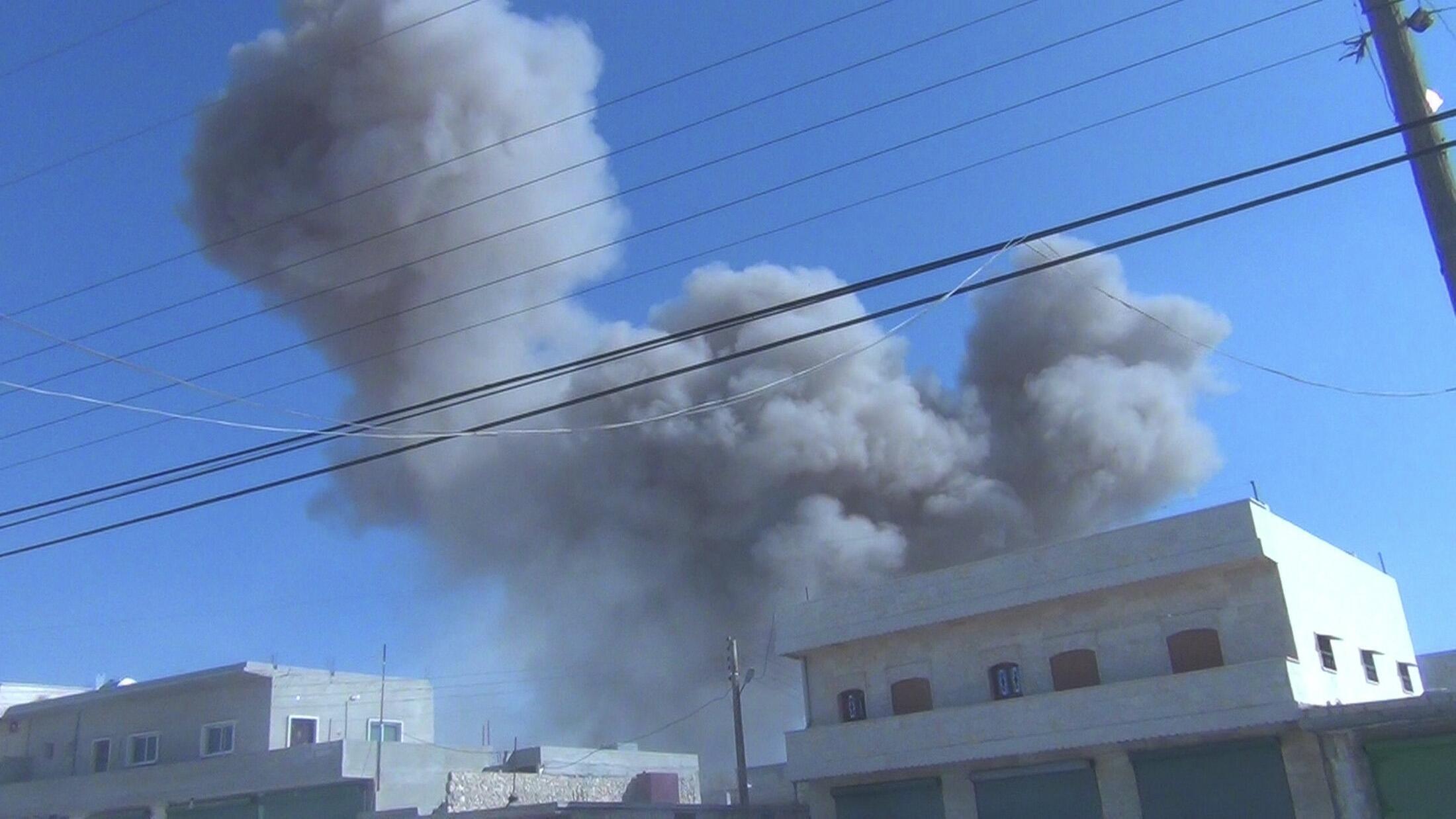 Бомбардировка жилого района Идлиба авиацией Башара Асада