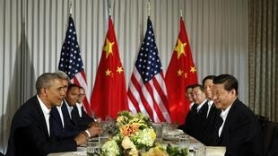 Tổng thống Mỹ Barack Obama (T) hội đàm với Chủ tịch nước Trung Quốc Tập Cận Bình, California, 07/06/2013