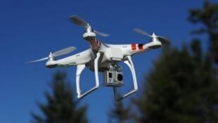 """Le drone, nouveau """"joujou"""" des espaces aériens."""