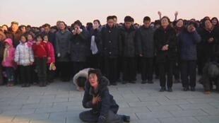 Lágrimas tras la muerte de Kim Jong-Il.