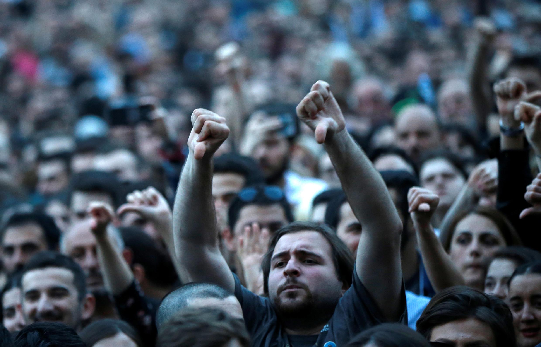 Акция протеста у здания парламента Грузии в Тбилиси 31 мая 2018