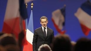 Nicolas Sarkozy lors d'une réunion publique à Saint-Juste-Saint-Rambert (centre-est), le 8 mars 2012.